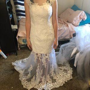 New size 6 wedding dress